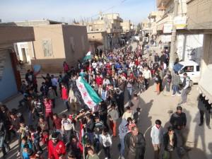 سوريا - الحسكة - عامودا - 28-12-2012 - مظاهرات بعد صلاة الجمعة ضد نظام الاسد و متسلقي الثورة - تصوير مراسل شام - ريزان محمد (33)