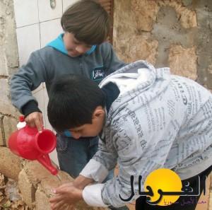 خاص - يتعلم الأطفال كيفية التعامل مع الغير ومساعدة الآخرين