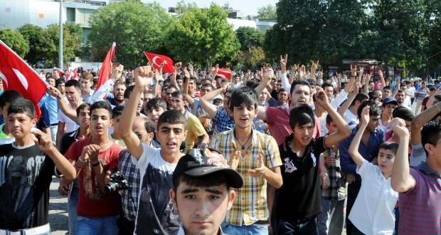 احتجاجات الأتراك والقلق السوري – نزار محمد