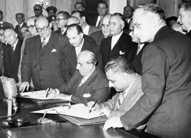 توقيع+اتفاقية+الوحدة+جمال+عبدالناصر