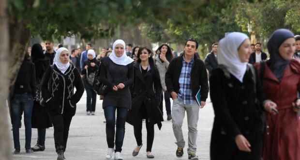 أثر الحرب على دراسة الطلاب الجامعيين السوريين