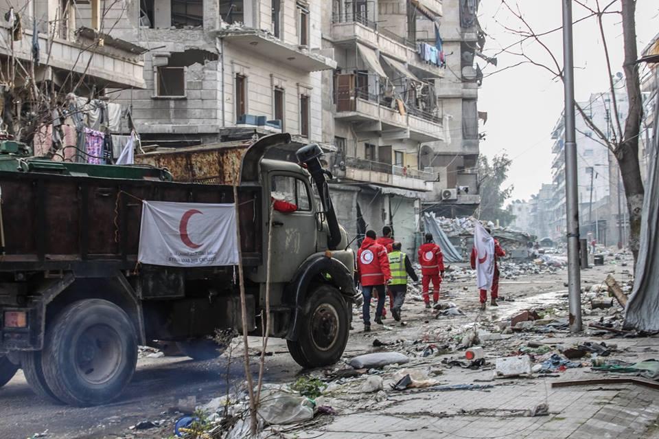 دخال الهلال الاحمر للوقود لمحطة سليمان الحلبي على خط الاشتباك