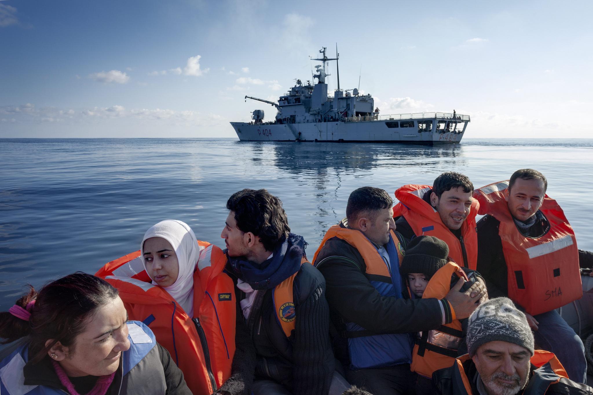 الهجرة بحرا