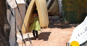 موجة الحر تضغط على اللاجئين في المخيمات الحدودية