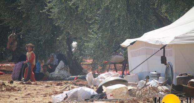 """نازحو المناطق التي هاجمها """"داعش"""" بريف حلب في العراء بلا مساعدة – محمود عبد الرحمن"""