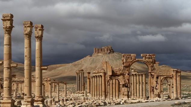 ما هي المعالم الأثرية التي دمرها داعش في تدمر