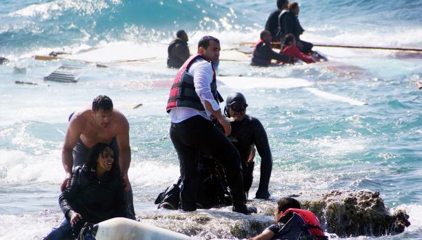تراجع عدد الواصلين إلى اليونان بسبب سوء الظروف الجوية