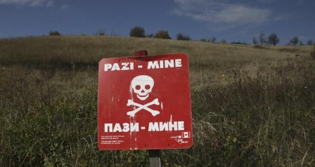 المهاجرون عبر دول البلقان يواجهون خطر المرور بحقول الألغام