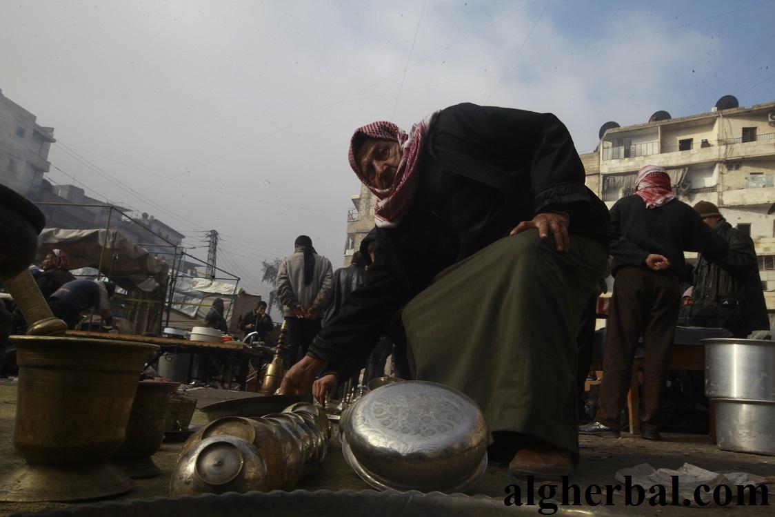 رقم 1 شهدت أسواق المستعمل في حلب إقبالاً كبيراً من السكان