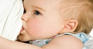 حتى متى يمكن إرضاع الطفل بإعطائه لبن الثدي ممّا يحقّق له الاكتفاء؟