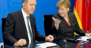 الأتحاد الأوربي يقر تقديم ثلاث مليارات يورو لتركيا لتحد من تدفق اللاجئين السوريين