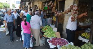 ظروف معيشية قاسية تدفع سكان الساحل السوري للتفكير جدياً بالرحيل – بهيجة عبدالله