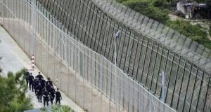 النمسا تبدأ ببناء سياج على حدودها مع سلوفينيا للحد من تدفق اللاجئين