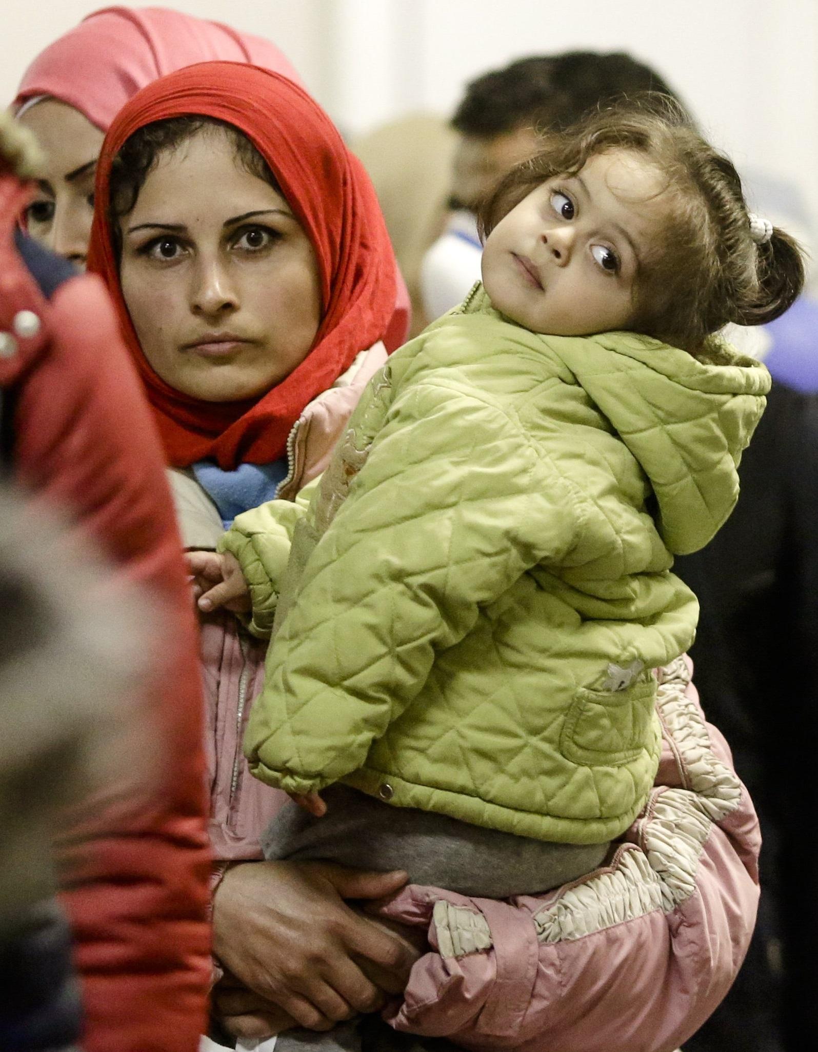 حملت المرأة السورية العبء الأكبر في الثورة والحرب بسوريا
