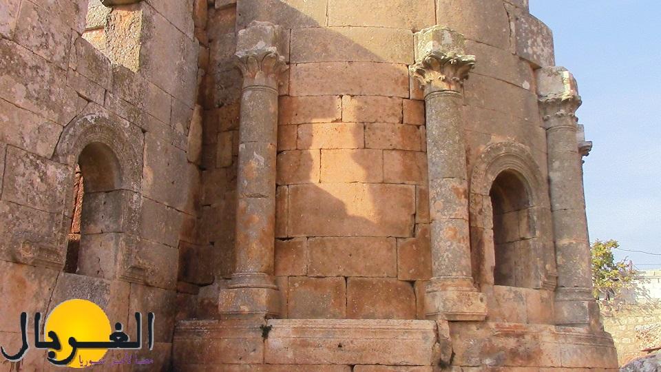 """كنيسة """"قلب لوزة"""" أحد أجمل الكنائس السورية التاريخية"""