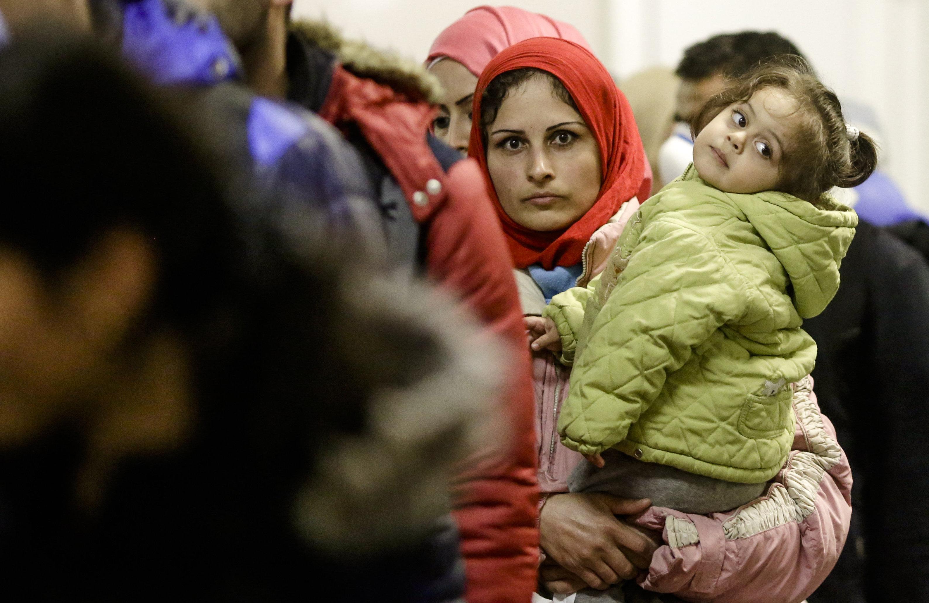 المرأة السورية.. أكثر من نصف المجتمع ــ أحمد الصباح