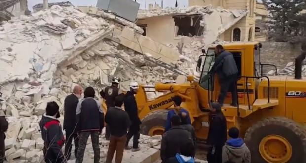 فيديو: استهداف قوات النظام يصيب آليات الدفاع المدني بحلب بأضرار كبيرة