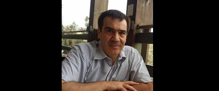 سوريون هاربون من واقع سوريا إلى تحليل الشأن البريطاني: أزمة هوية؟
