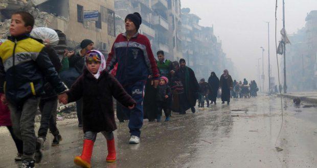 السكان المهجّرون من حلب يتعرّضون للإذلال على يد ميليشيات النظام- خاص الغربال