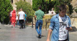 اللاجئون السوريون في أوروبا سفراء بالإكراه – حسين العبدالله