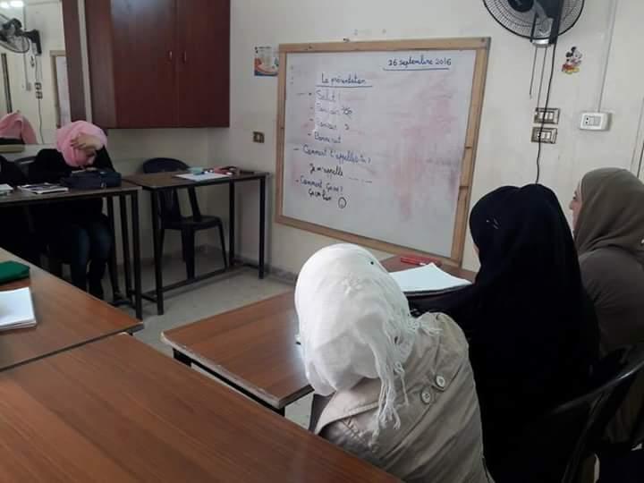 معتقلات سوريا من سجون النظام إلى قيود المجتمع – سونيا العلي
