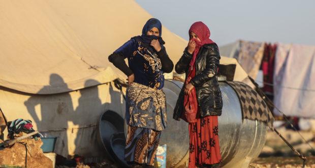 النساء في المناطق الشمالية يتعرضن لمضايقات وسلاحهن الصمت – رشا الشحّاد