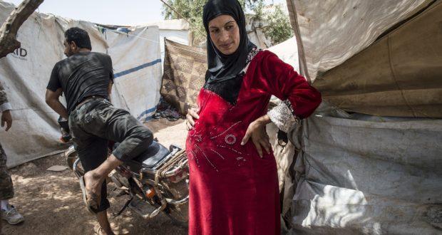 القصف يؤدي إلى وفيات بين الحوامل والأجنة شمالي سوريا – وضحة العثمان