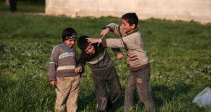 العنف يغرس جذوره عميقاً في قلوب الأطفال السوريين  – حسام الجبلاوي